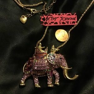 "24.5"" Queen Trot Elephant Necklace"